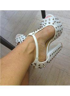 Chic Rivets Chunky Heel Platform Sandals