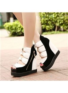 Extremely Adorable Wedge Sandals With Bowknot