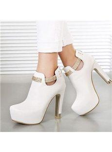 Fashionable chunky chain ornament platform boots