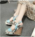 Shapely Flower Print Wedge Sandals