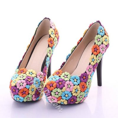 Shoespie Flower Decorated Round-toe Platform Heels