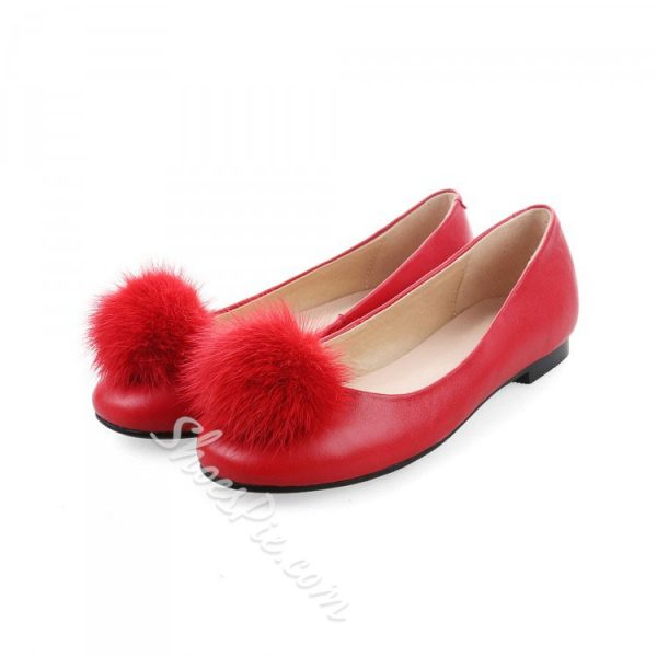 Shoespie Round Toe Pompom Accented Loafers