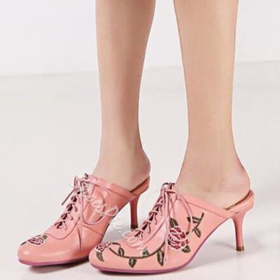 Shoespie Classy Flower Embroidered Lace Up Mules Shoes